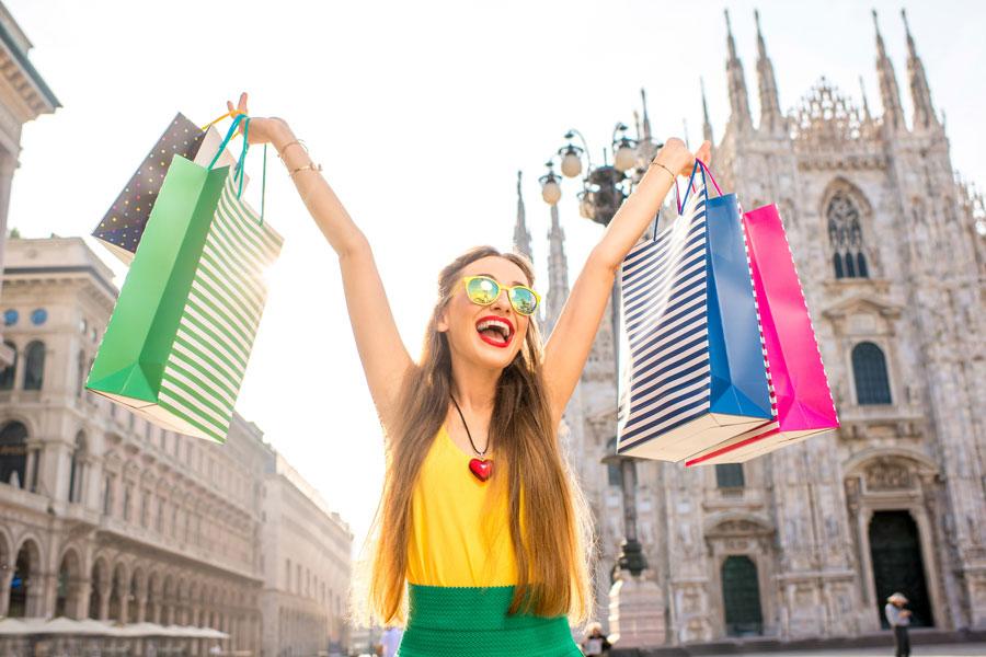 первую очередь, шоппинг в милане фото из-за своей неординарности