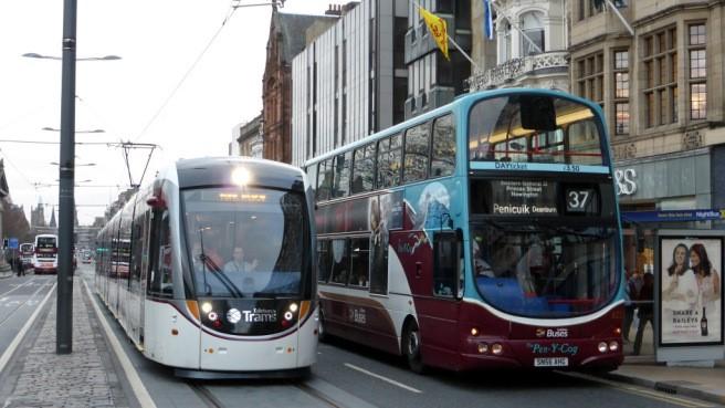 Эдинбург, общественный транспорт
