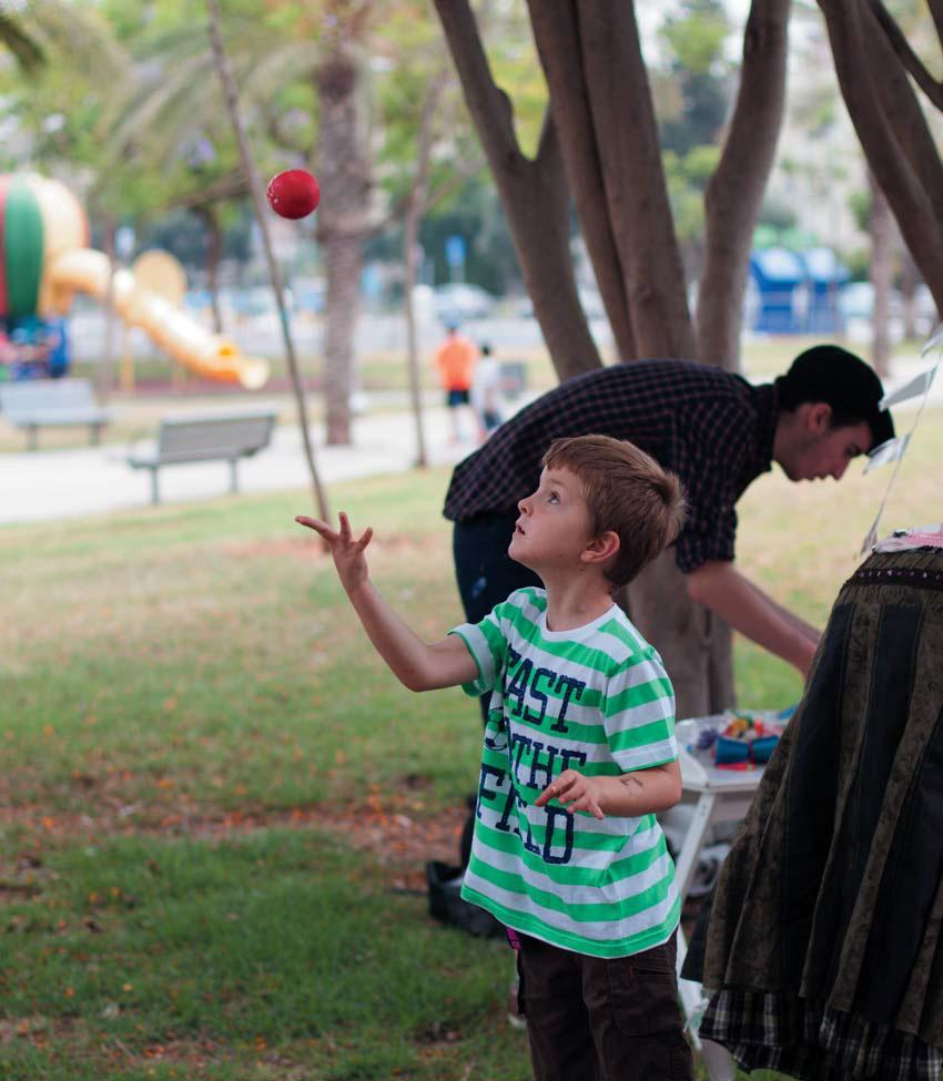 Как стать жонглером