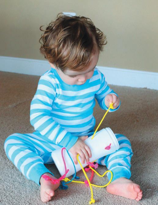 Игрушка-потягушка для детей от 9 месяцев