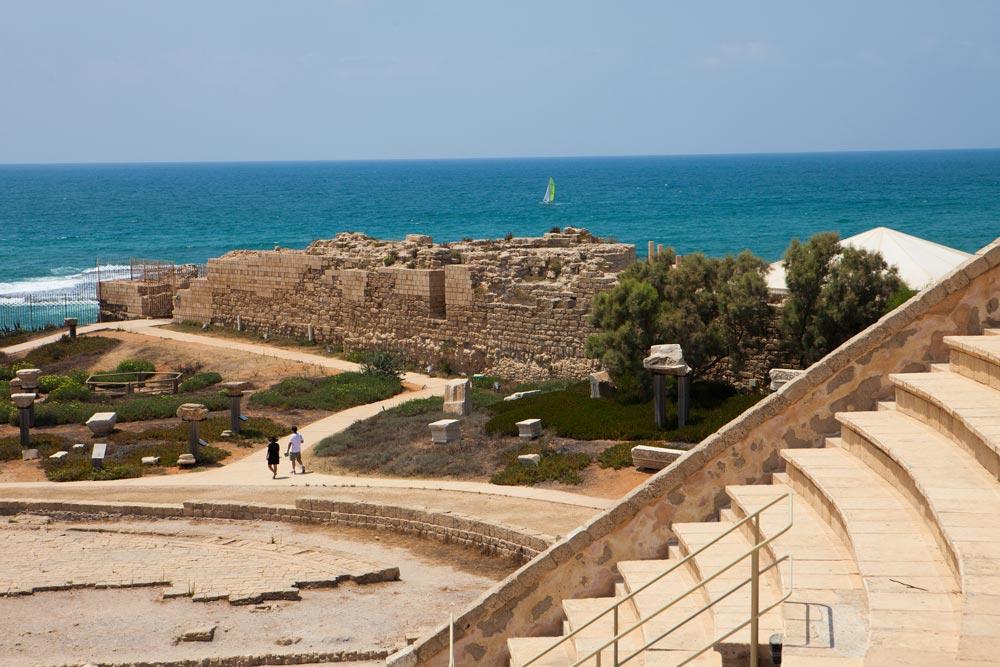 Кейсария— древний порт царя Ирода игород Понтия Пилата