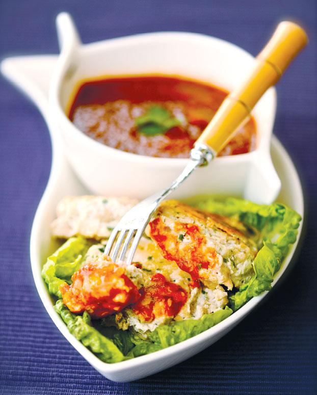 Легкий салат издыни, авокадо иорешков пинии смятой