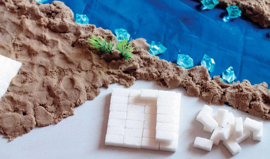 Египетская пирамида изкусочков сахара