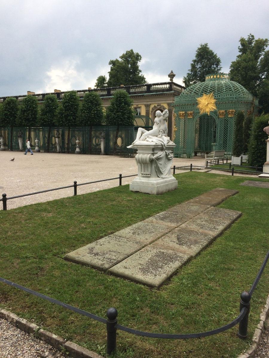 Потсдам: дворец Сан-Суси