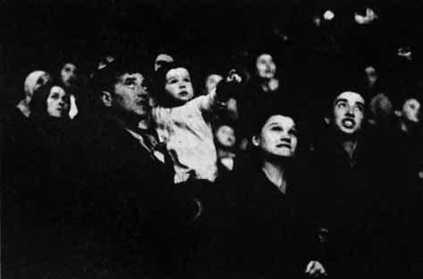 Сентябрь 1947. Салют вовремя празднования 800-летия Москвы