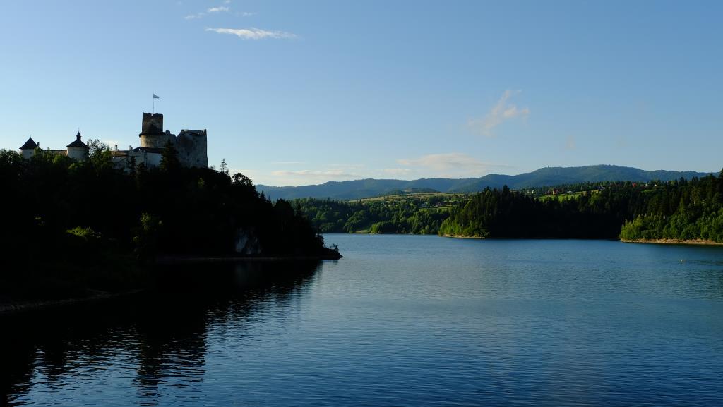 Замок Недзица. Вид сплотины