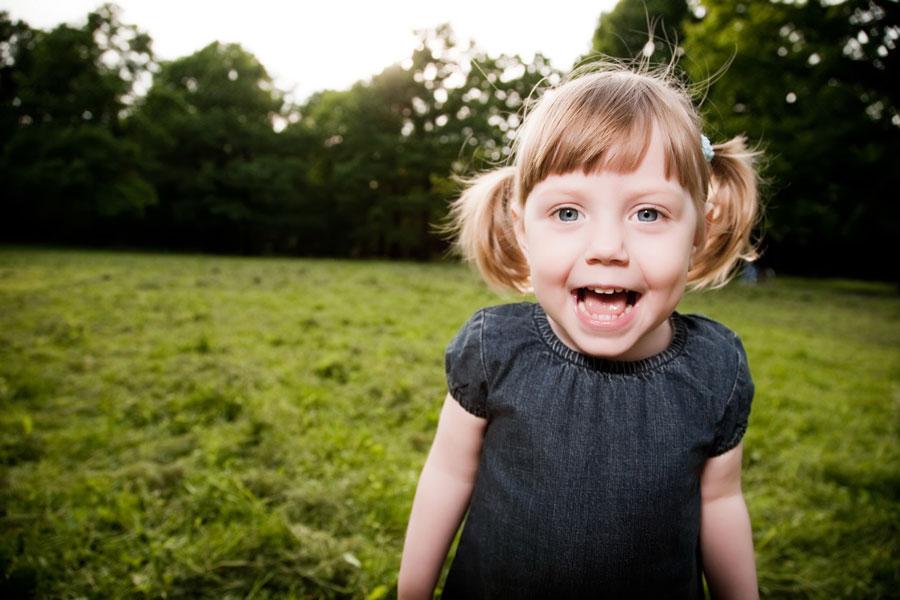 Как научить ребенка общаться сдругими детьми