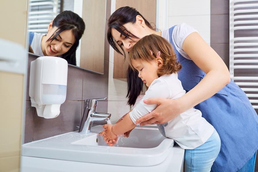 Чем лучше мыть руки
