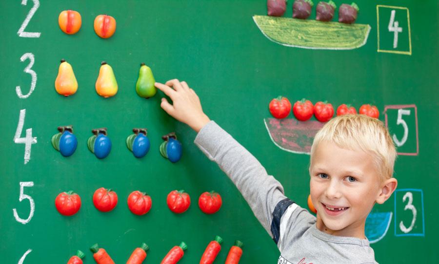 Миф третий: вшколе работают профессионалы— они идолжны учить детей