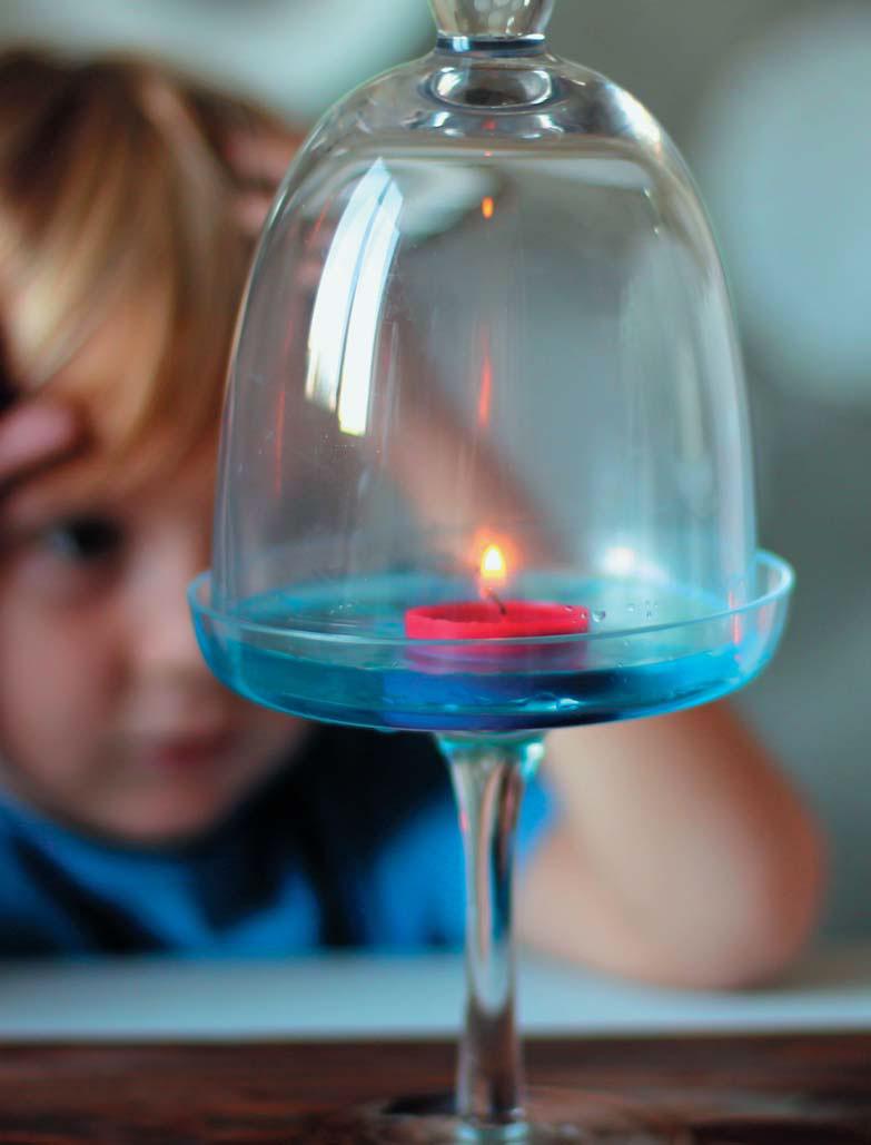 Как погасить свечу: 3способа