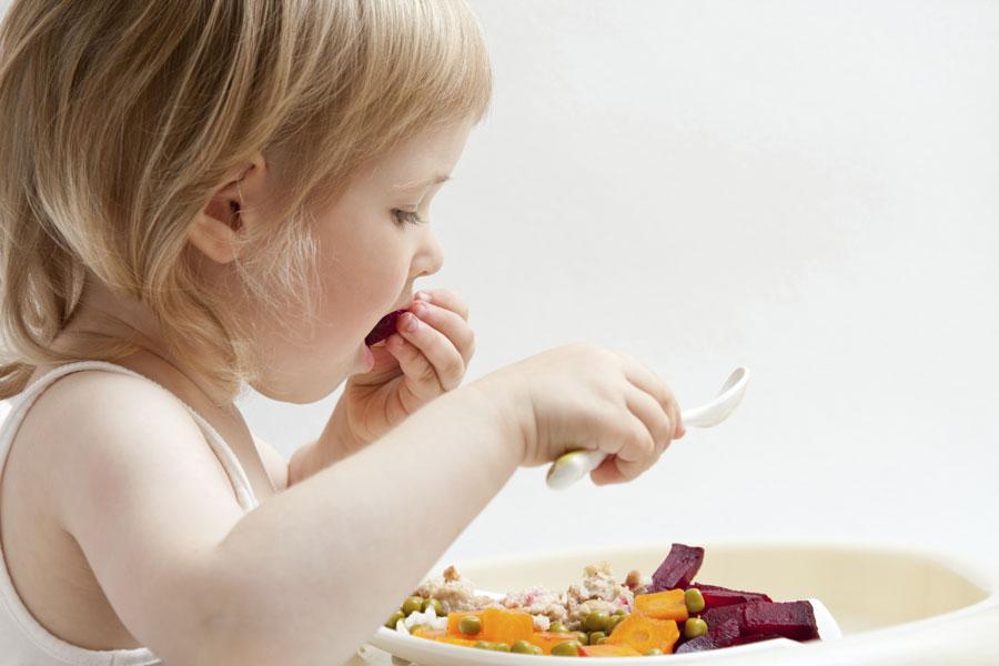 Ребенок нехочет есть. Почему нельзя заставлять?