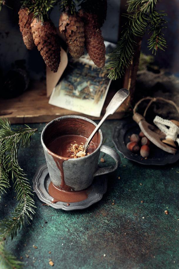 Горячий шоколад сминдальным молоком
