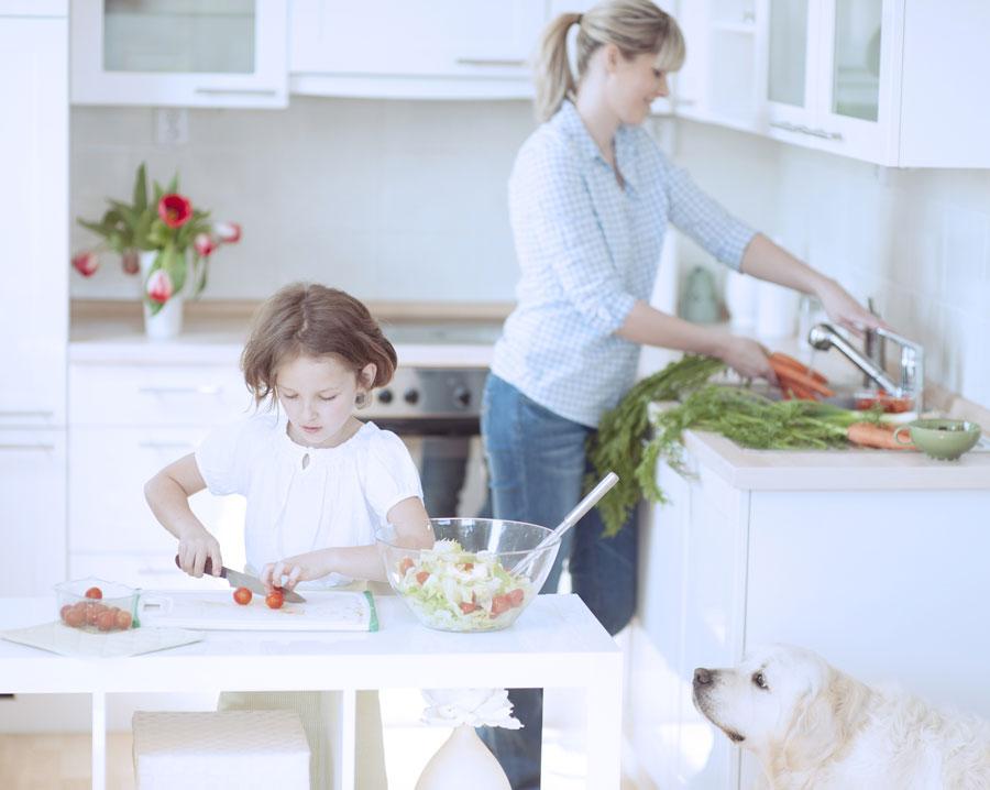 Как оборудовать кухню, чтобы было легче питаться правильно?