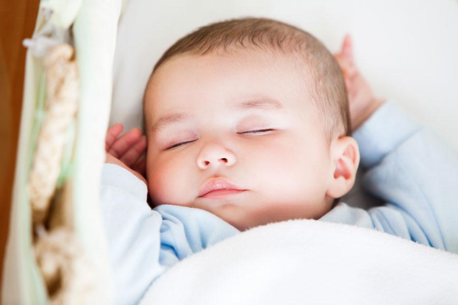 Рождение ребенка ипервый крик