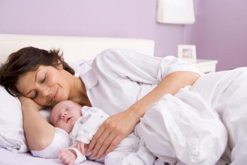 Купание новорожденной