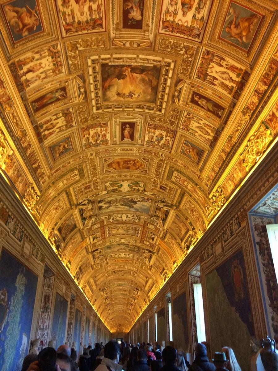 Галерея географических карт вВатикане (середина XVIвека)