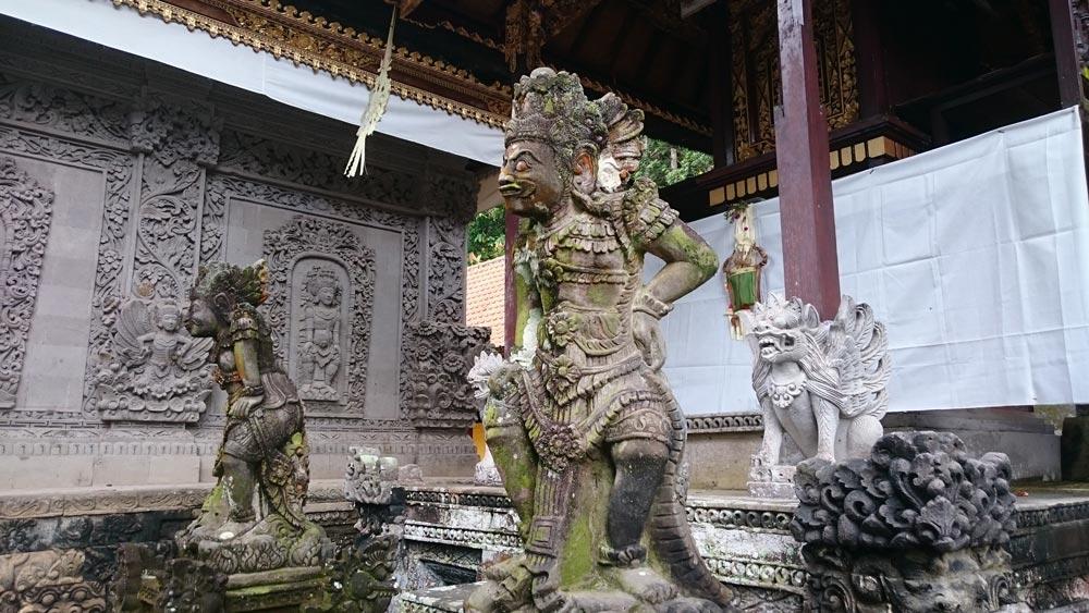 Балийские храмы: древние, домашние иповсеместные