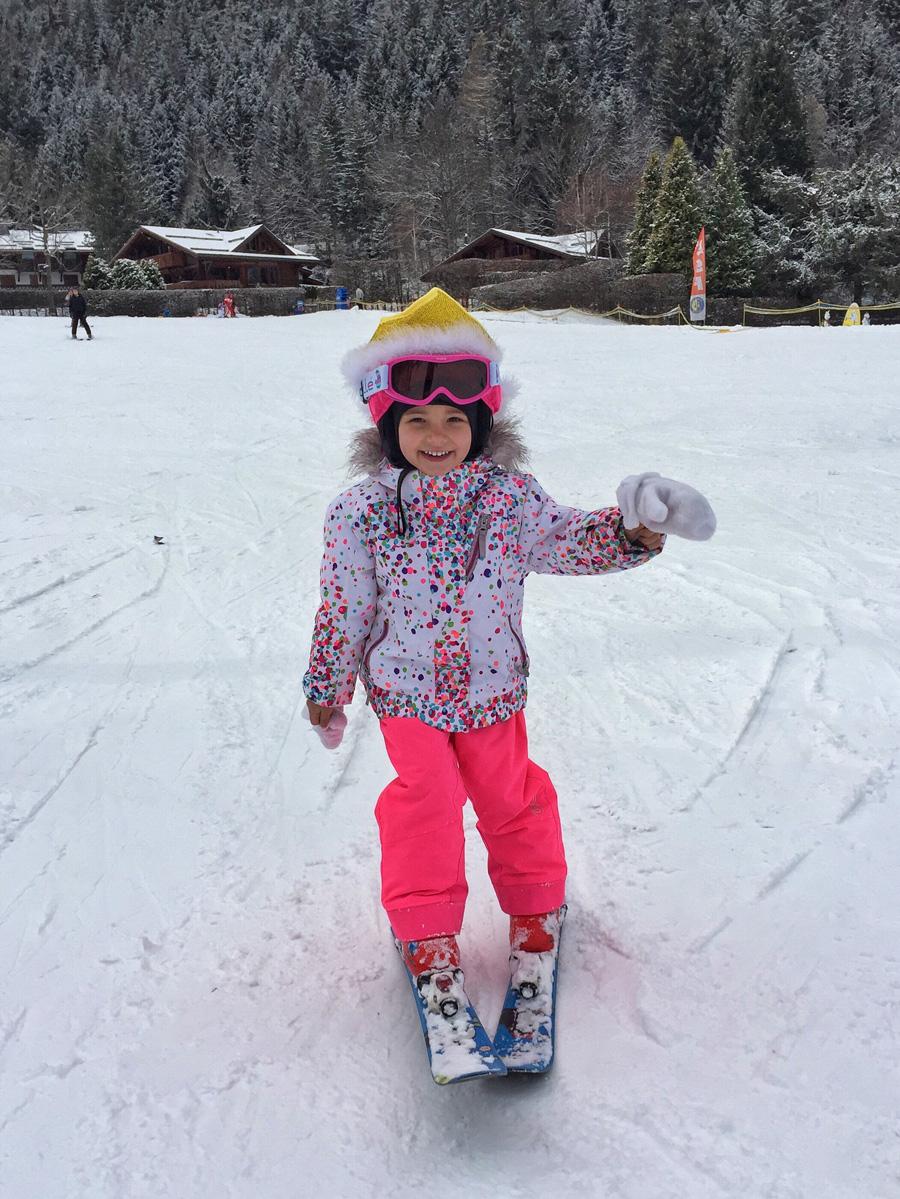 Вкаком возрасте ставить ребенка нагорные лыжи?