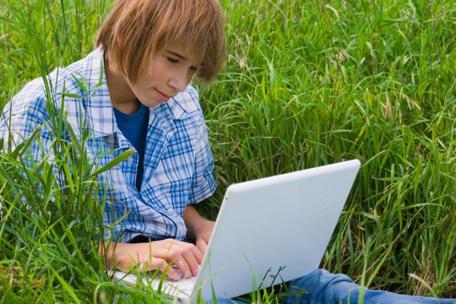 Как подростки общаются в интернете