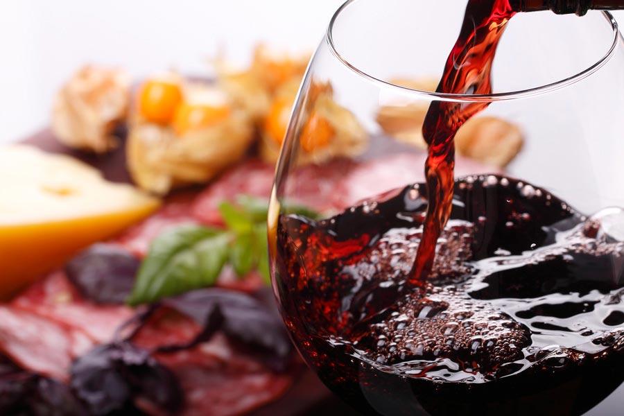 Алкоголь— враг семьи, исним нужно бороться