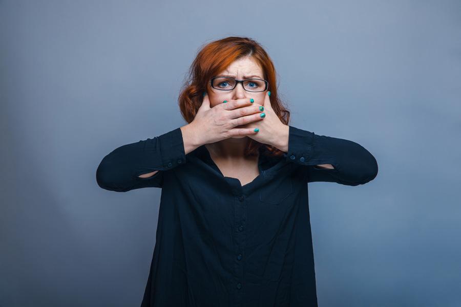 Причины запаха изо рта— бактерии наязыке
