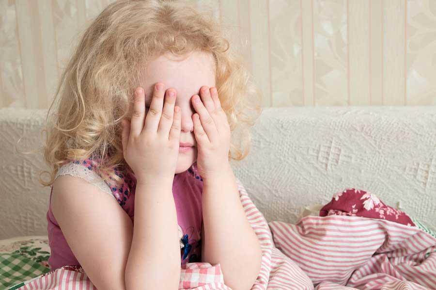 Докакого возраста надо помогать детям засыпать