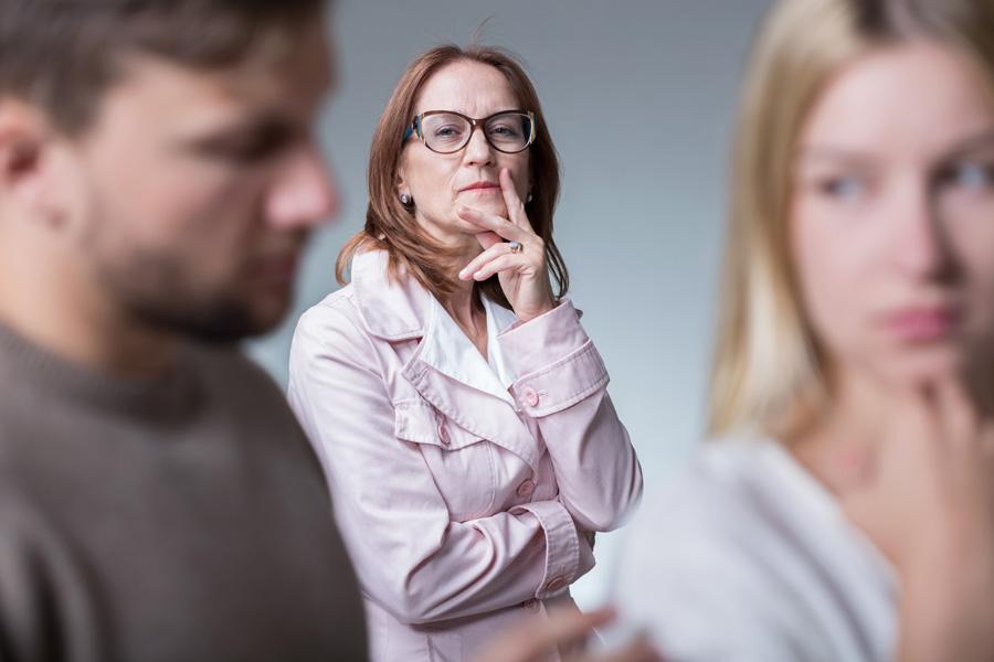 Онлайн муж уговаривает заняться сексом с товарищем