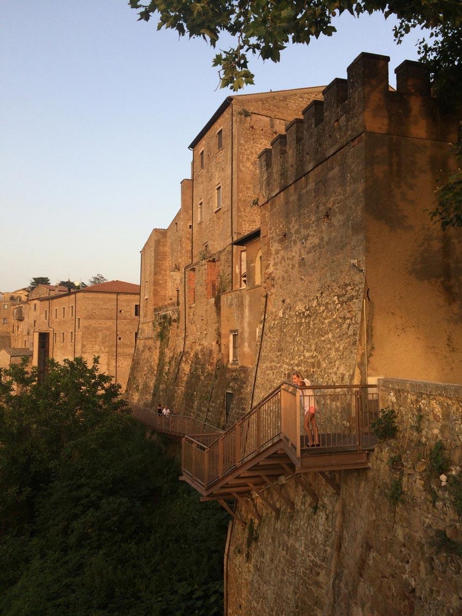 Питильяно (Pitigliano)— город наскале