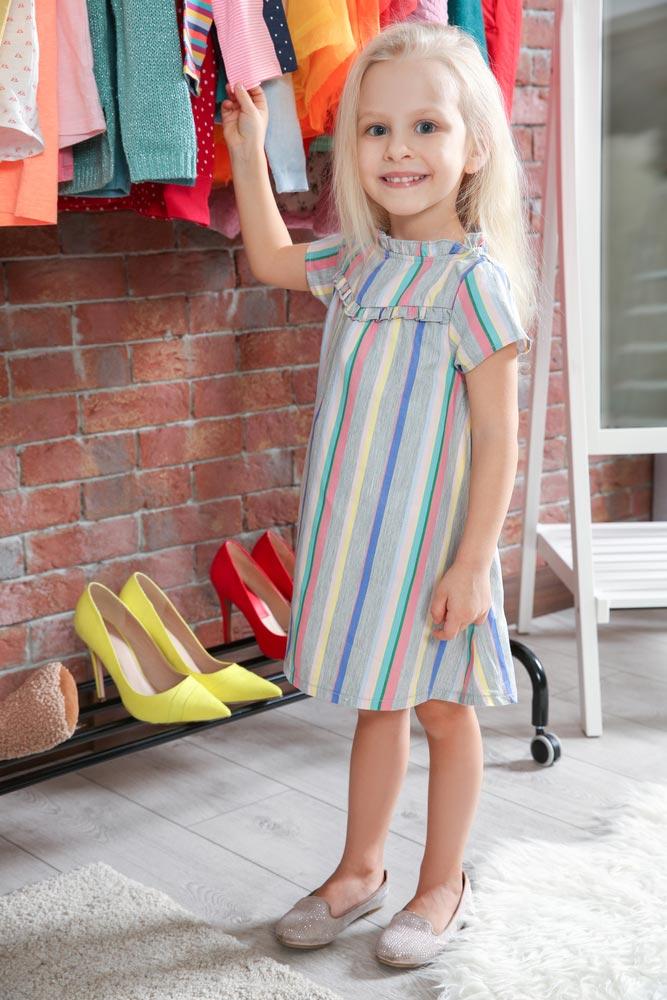 Зачем учить ребенка стирать, развешивать белье игладить