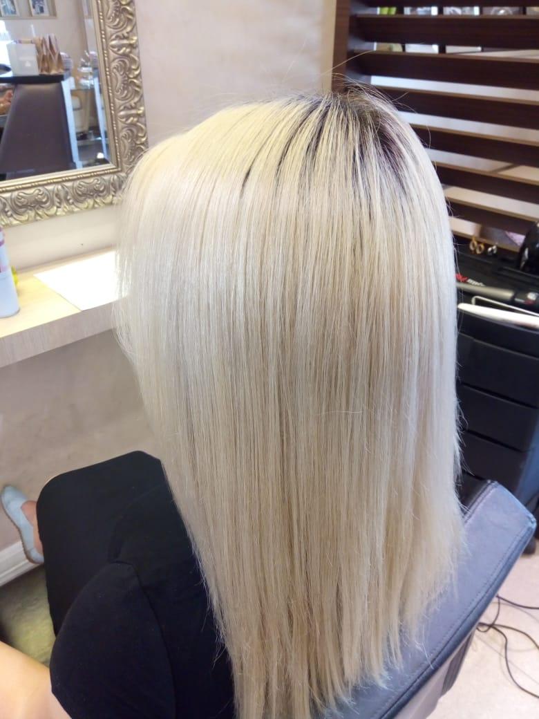 Прическа для длинных волос с локонами
