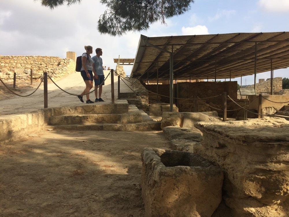 Минойское корыто, где 3700 лет назад женщина купала детей истирала белье