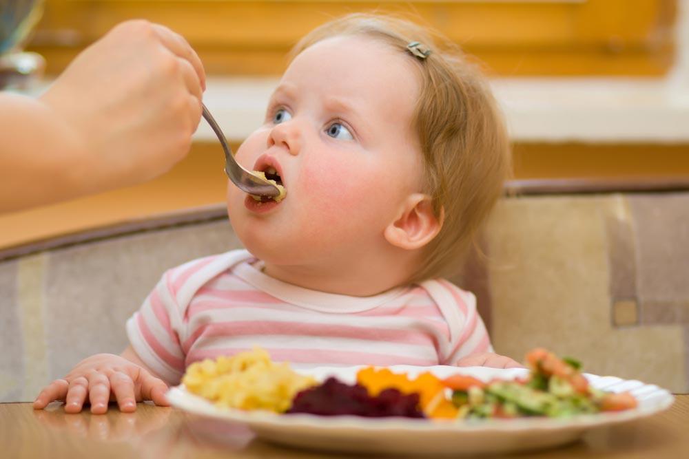 Как правильно кормить ребенка: меню нанеделю