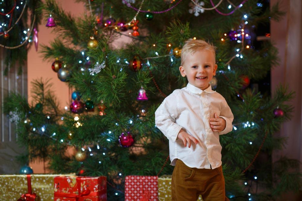 Невезите новогодние подарки вдетские дома