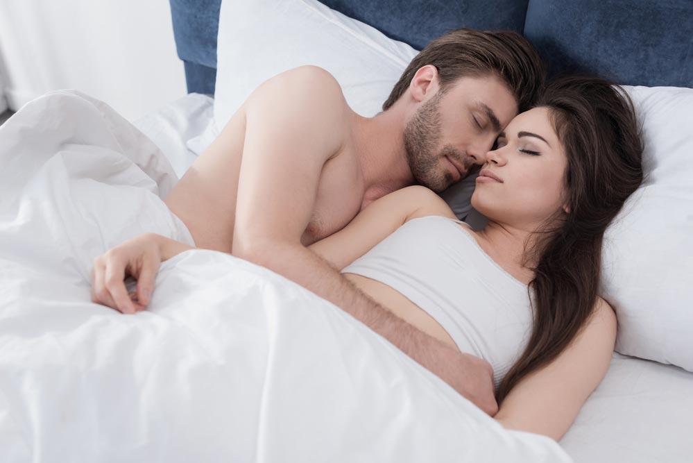 Почему мужу ижене важно спать вместе