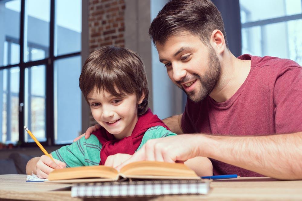 Как усадить ребенка за уроки