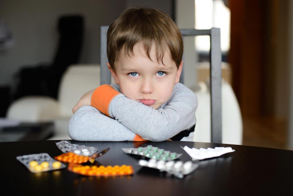 Кто ипочему сажает детей натаблетки?