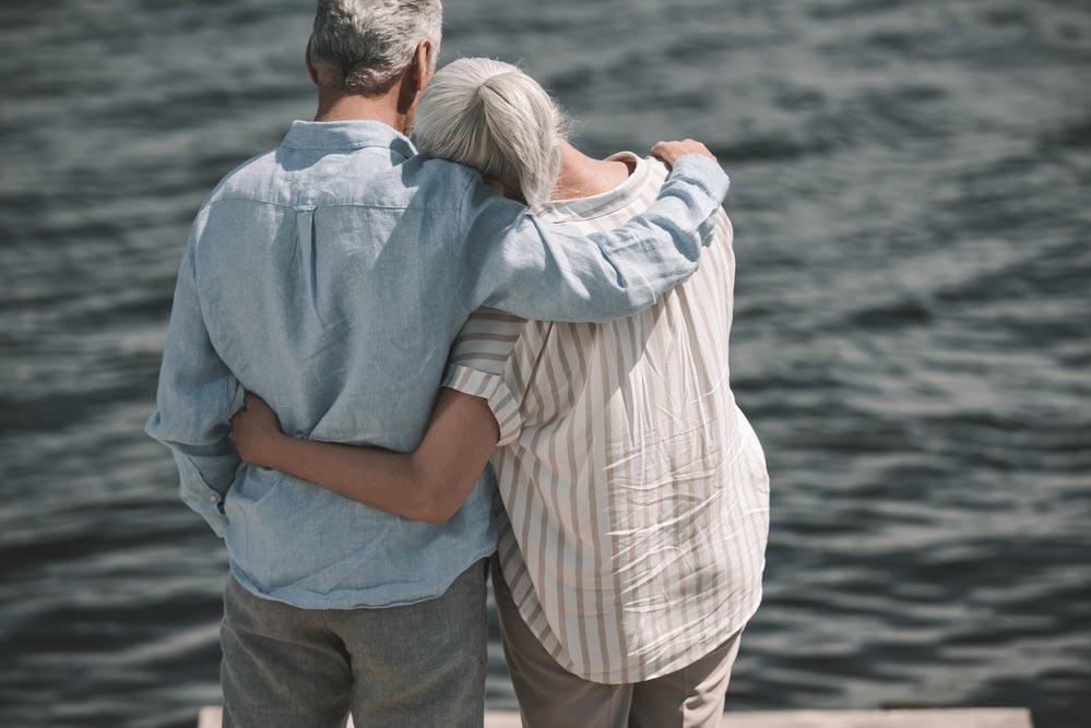 Чем старше мужчина, тем больше выбор женщин