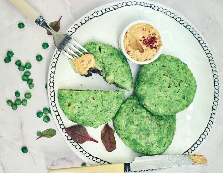 Паровые булочки иззеленого горошка