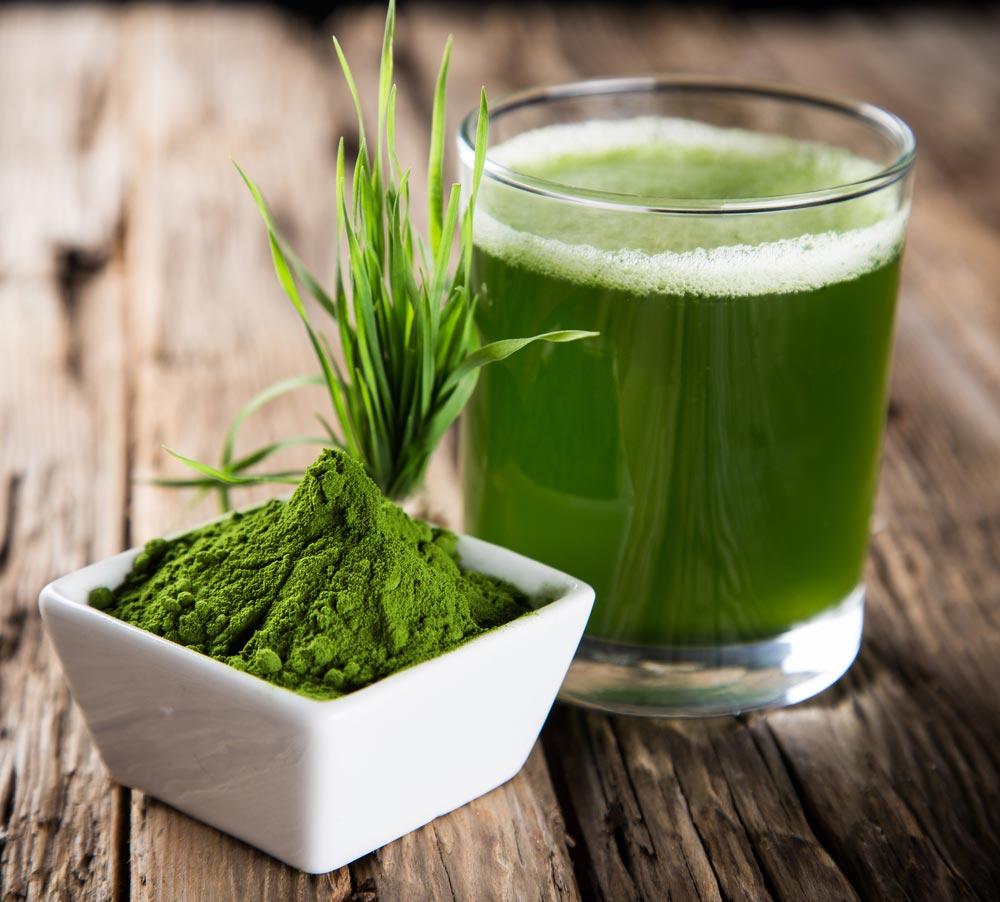 Спирулина, хлорелла, сок изтравы пшеницы или ячменя