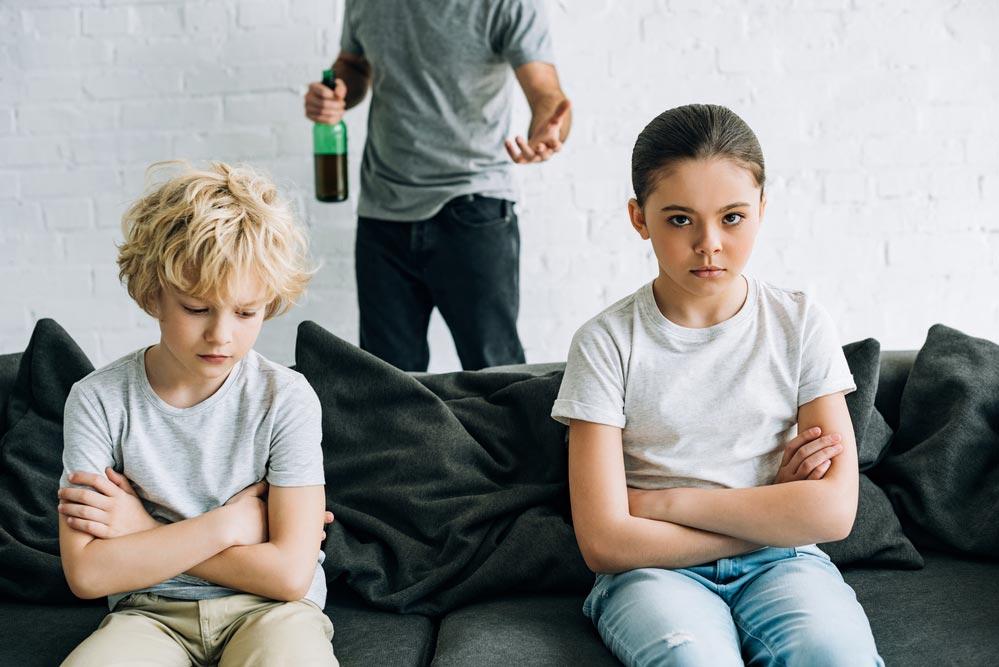 Как защитить детей оталкоголизма