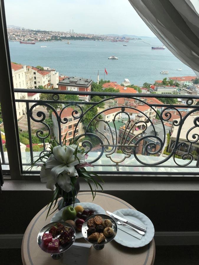 Отель вСтамбуле: CVK Park Bosphorus Hotel Istanbul