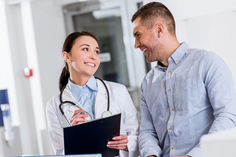 Общение с врачом для успеха лечения