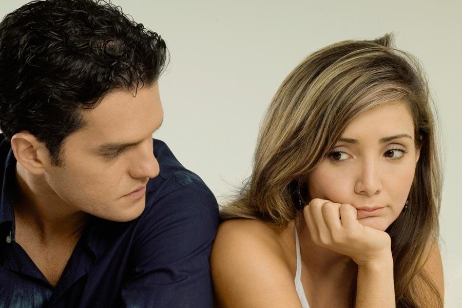 Вприсутствии мужа все болит