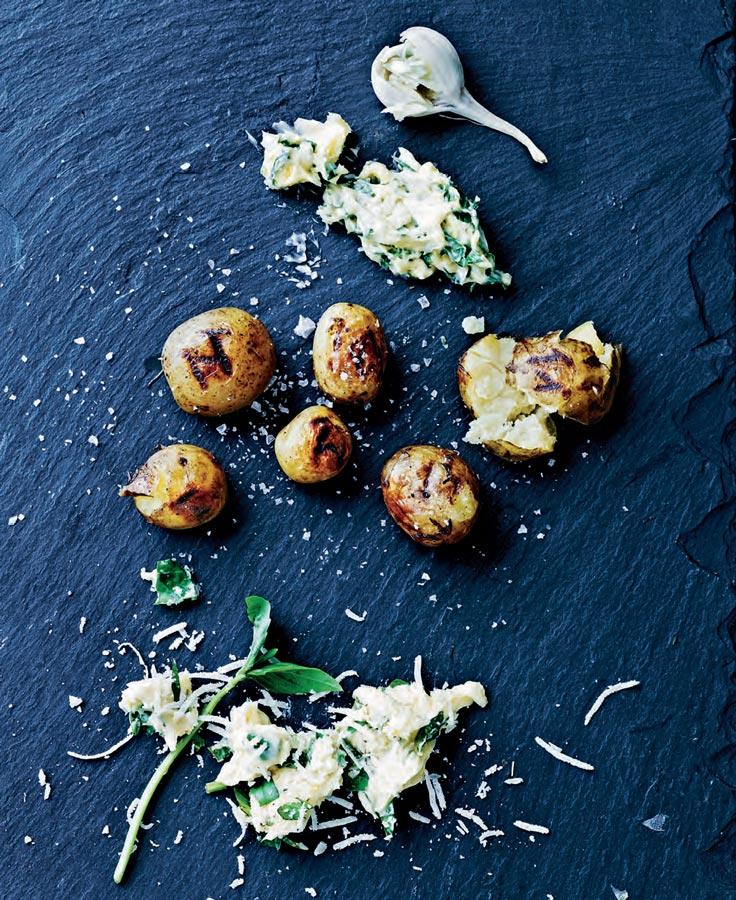 Картофель, запеченный всоли