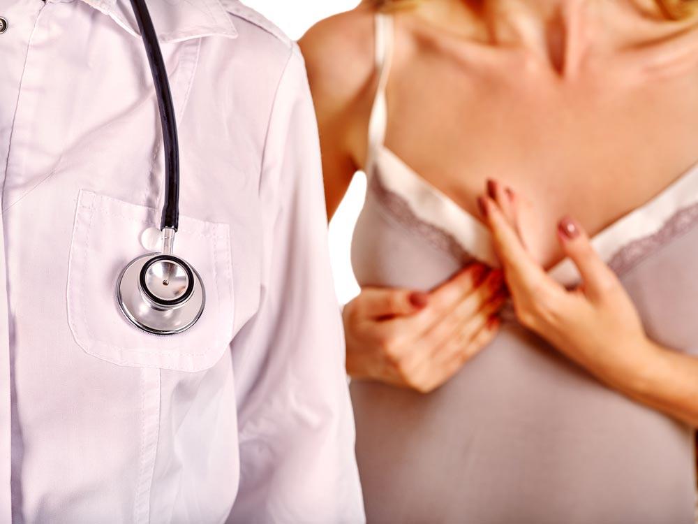 Почему Анджелина Джоли удалила грудь: все о мутациях генов, вызывающих рак груди.  Причины рака молочной железы