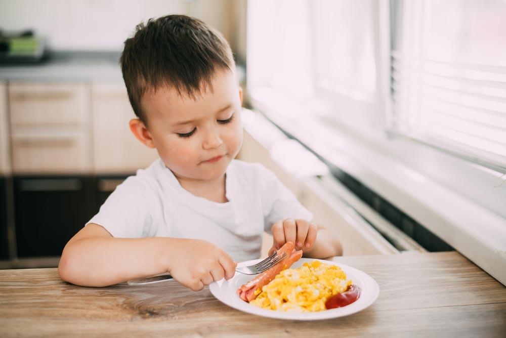 Как накормить малоежку – без мультиков во время еды.  Ребенок отказывается от еды