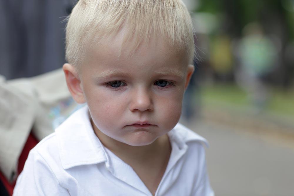 Почему привязанность кприемным родителям часто так иневозникает