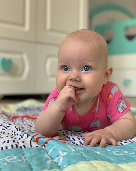 Когда можно выкладывать новорожденного наживотик