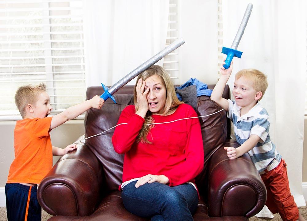 Как отучить детей драться иподглядывать друг задругом