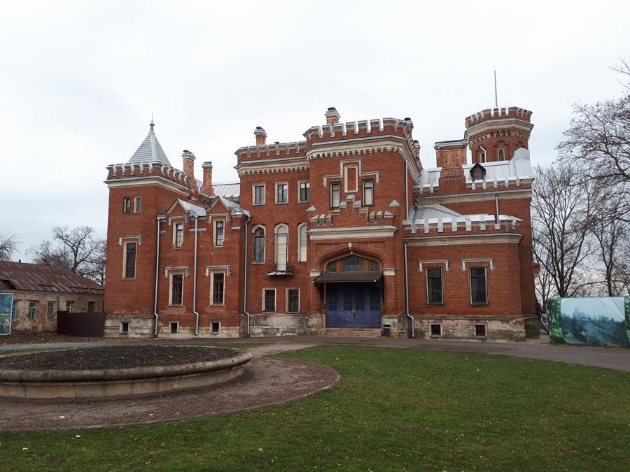 Готический замок вРамони
